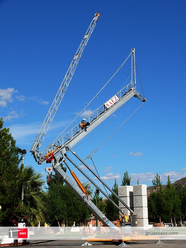 Cranes Sáez - Self Erecting - H24